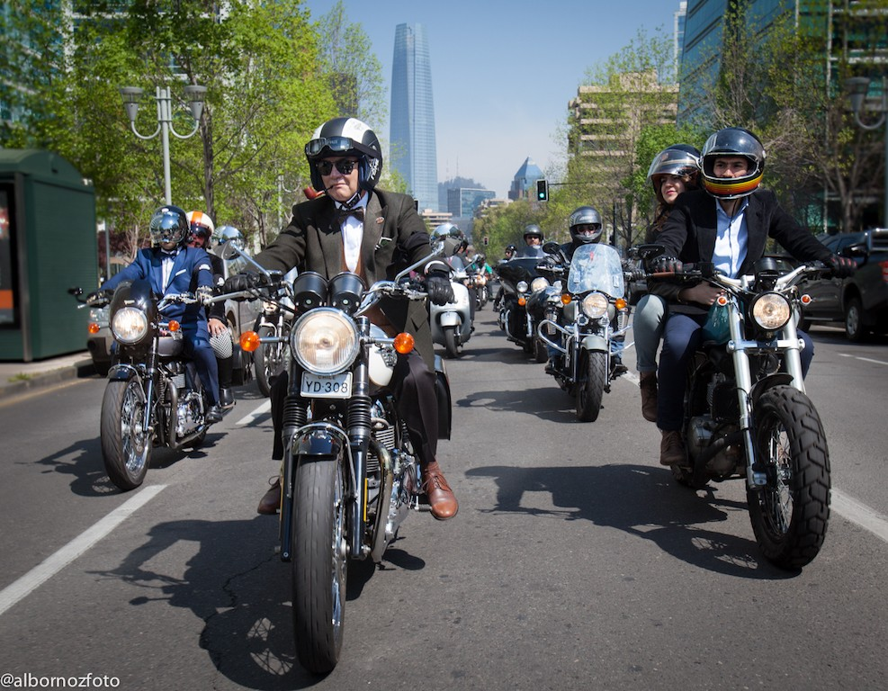 DGR Chile convoca a más de un millar de riders en caravana solidaria en Santiago