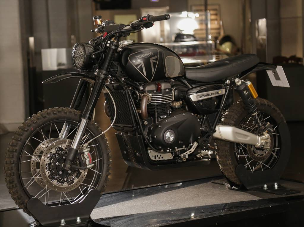 Triumph Motorcycles reaparece en el universo de James Bond